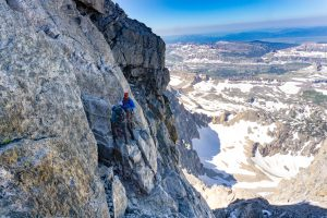 how to deal with a fear of heights when climbing