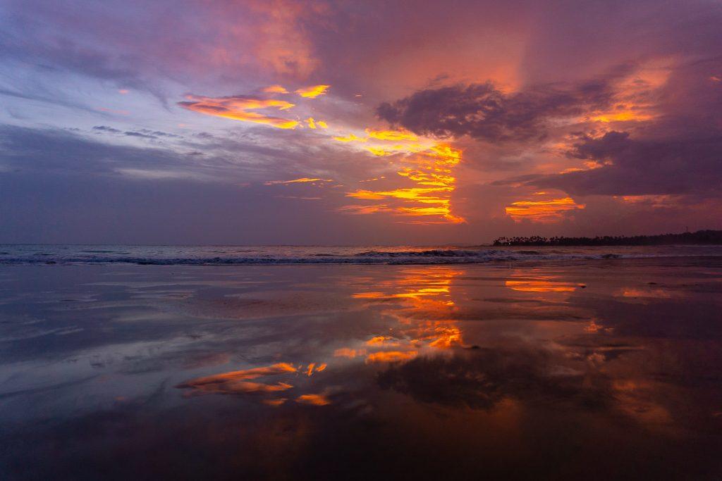 best sunset beaches in sri lanka