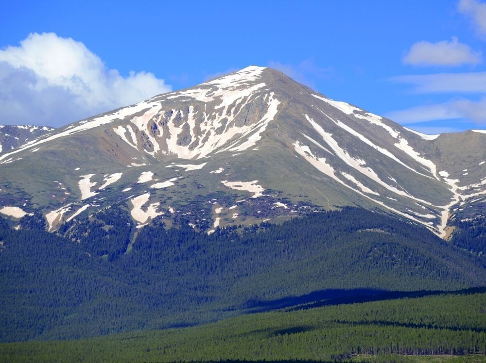 A beautiful view of Mount Elbert, one of the easiest Colorado 14ers.