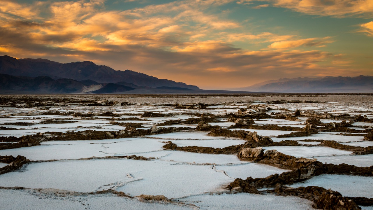 when to visit death valley